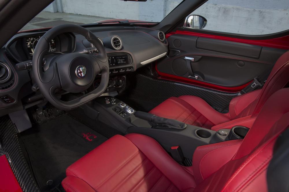 2015-Alfa-Romeo-4C-31.jpg