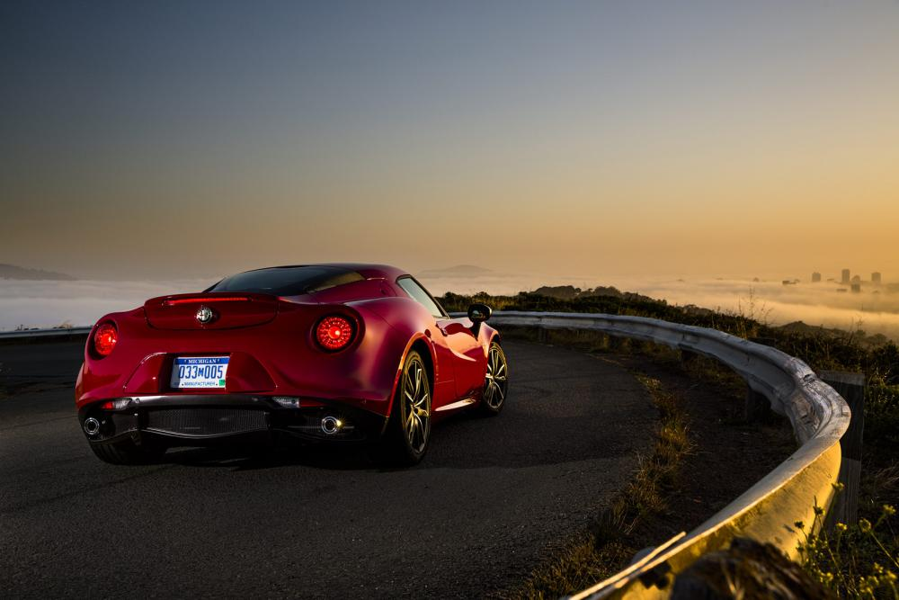 2015-Alfa-Romeo-4C-71.jpg