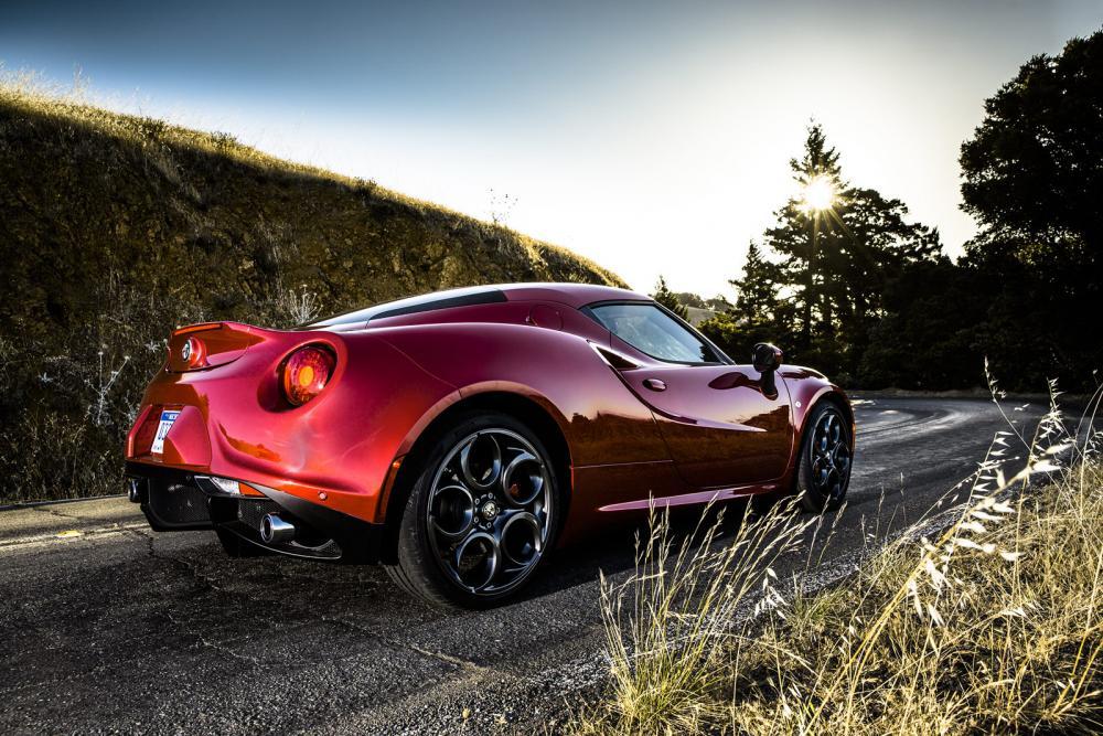 2015-Alfa-Romeo-4C-78.jpg