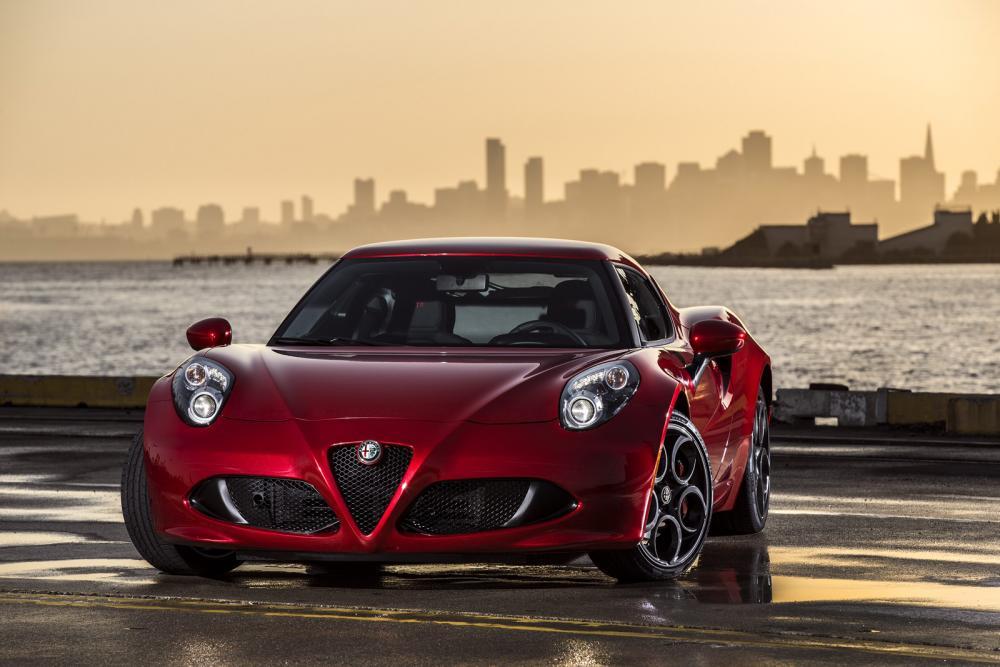 2015-Alfa-Romeo-4C-89.jpg