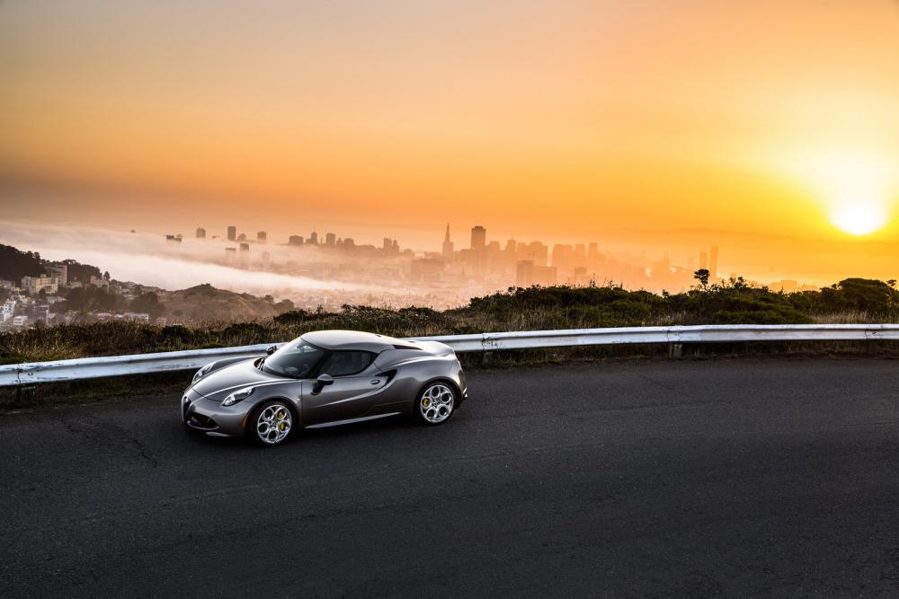 2015-Alfa-Romeo-4C-96.jpg
