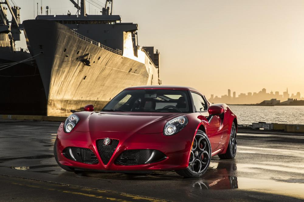 2015-Alfa-Romeo-4C-68.jpg