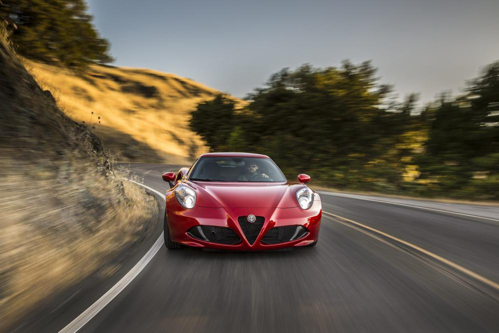 2015-Alfa-Romeo-4C-76.jpg