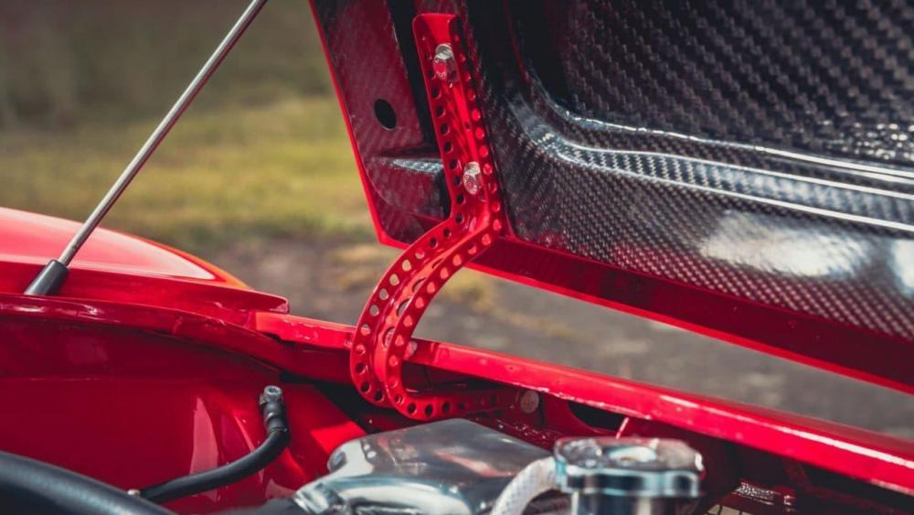 Alfa-Romeo-GTA-R-7-e1506928301897.jpg